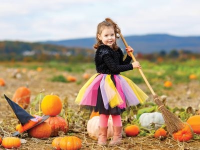 Fun Fall and Halloween Puns to Share With Your Kids